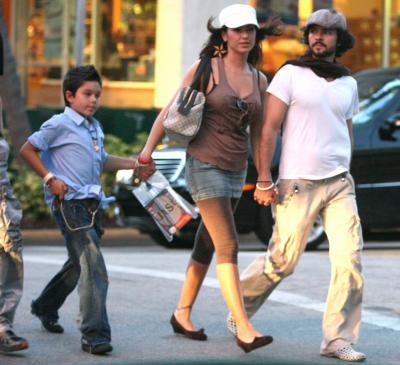 Sa mere est mexicaine son fils un fils avec son ex mari sergio